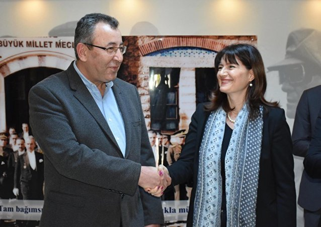 KUTO Yönetim Kurulu Başkanı Serdar Akdoğan ile Yunanistan İzmir Başkonsolosu Argyro Papoulia