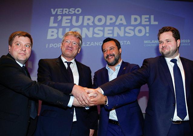 Avrupa'da aşırı sağ buluşması. Zirveye İtalya Başbakan Yardımcısı ve İçişleri Bakanı Matteo Salvini, Almanya için Alternatif Sözcüsü Jörg Meuthen, Finler Partisi'nden Olli Kotro ve Danimarka Halk Partisi'nden Anders Vistisen katıldı.