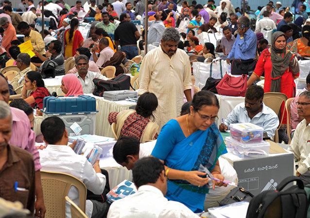 Hindistan'da parlamentoyu belirleyecek seçimler 11 Nisan'da başlıyor. Seçim 39 gün sürecek ve 19 Mayıs'ta bitecek.