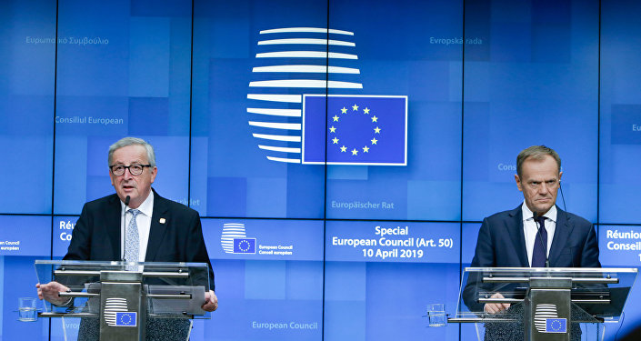 Donald Tusk ve Jean-Claude Juncker