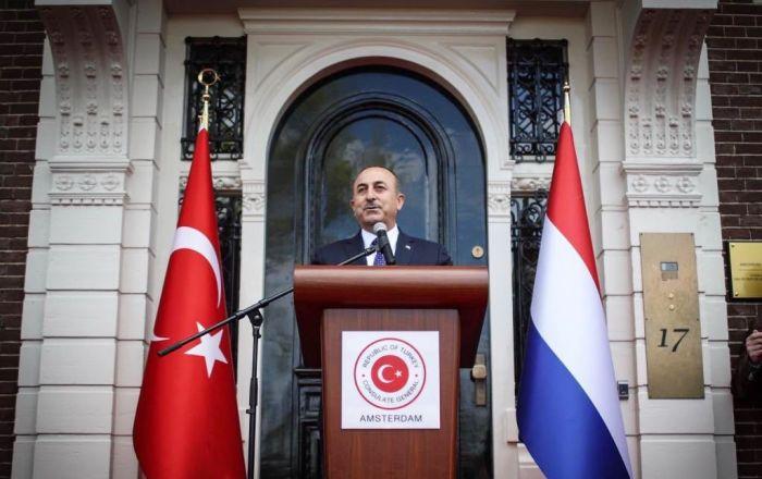Çavuşoğlu Amsterdam Başkonsolosluğu'nun açılışını yaptı
