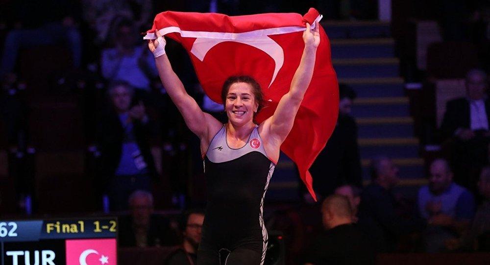 Avrupa Güreş Şampiyonası'nda milli sporcu Yasemin Adar, altın madalya elde etti.