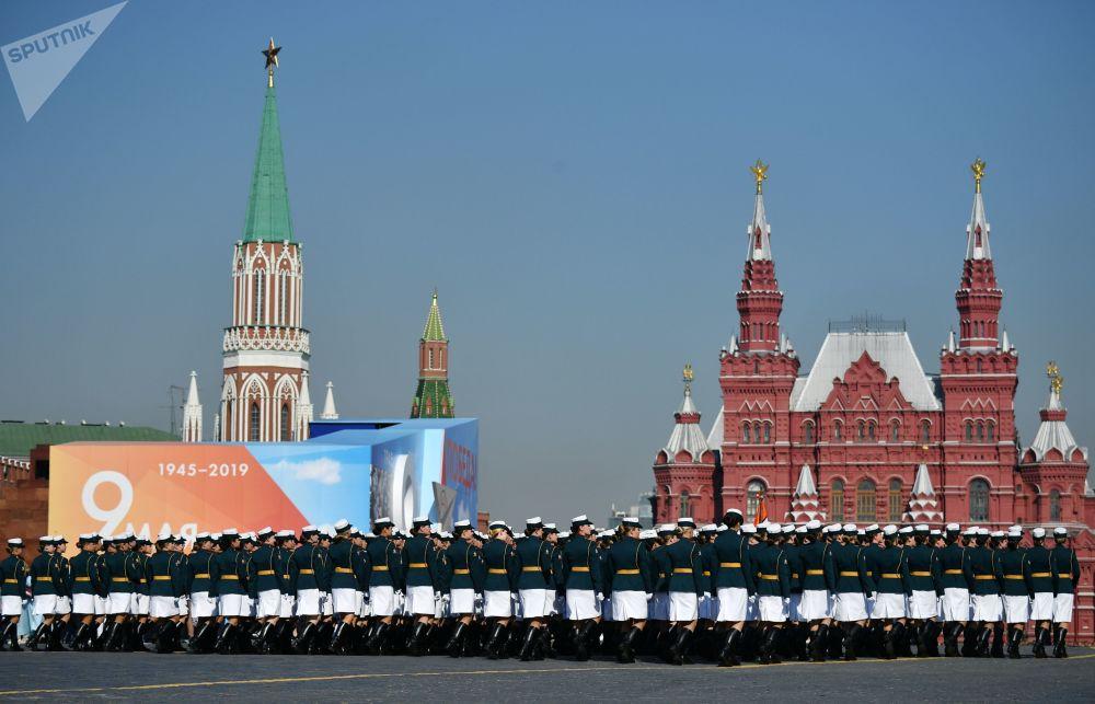 Moskova'daki Zafer Günü askeri geçit töreninin son genel provasından bir kare.