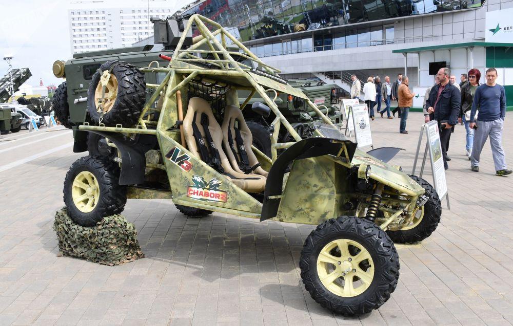 Minsk'te MILEX-2019  Uluslararası Savunma Sanayii Fuarı kapsamında tanıtılan Çaborz M-3 arazi aracı.