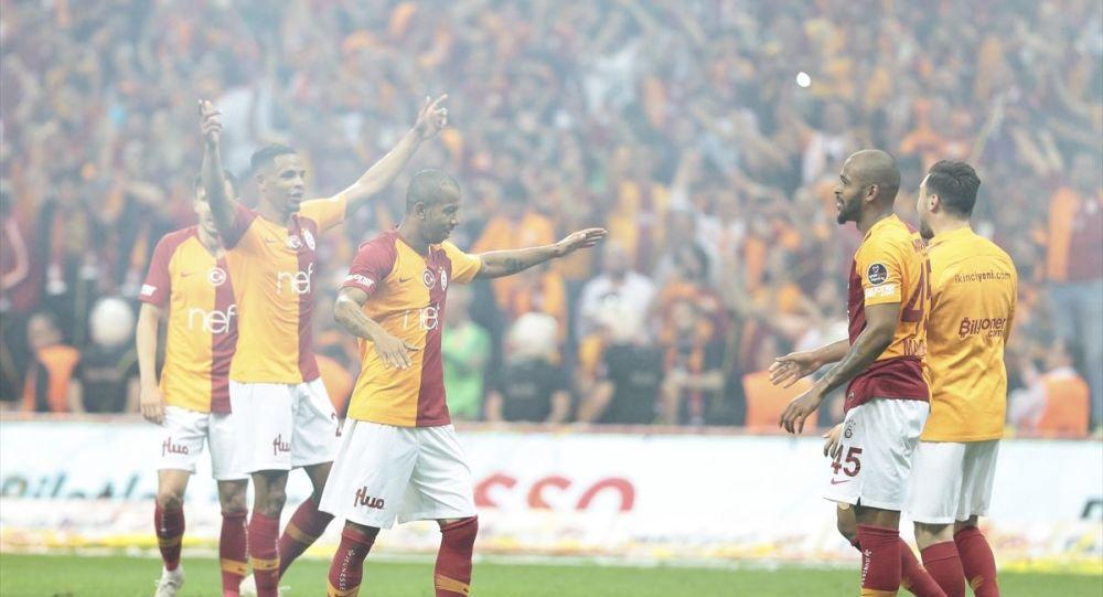 Spor Toto Süper Lig'in 33. haftasında Medipol Başakşehir'i 2-1 yenen sarı-kırmızılı ekip, 2018-2019 sezonunun bitimine bir hafta kala şampiyonluğunu ilan etti.