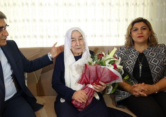 100 yaşındaki Nazire Baş