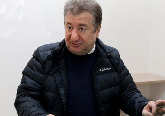 Gazeteci Sabahattin Önkibar