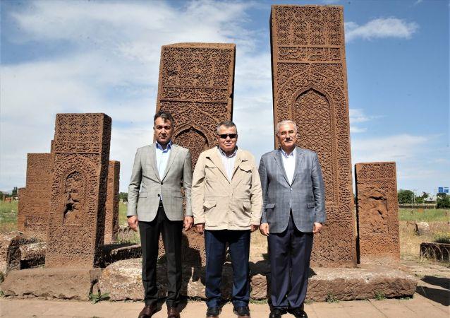 Yargıtay Başkanı İsmail Rüştü Cirit (ortada)