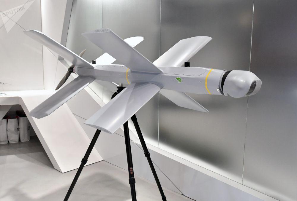 ARMY-2019 Forumu'nun açılış töreni kapsamında Kalaşnikov şirketine ait stantta tanıtılan ZALA Lantset tipi kamikaze insansız hava aracı (İHA).