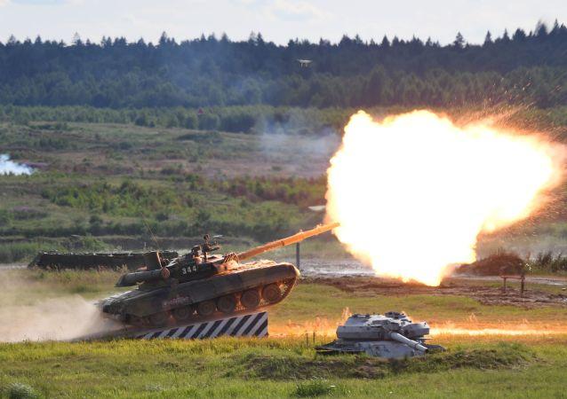 T-90A tankı 'ARMY-2019 Forumu'nda.