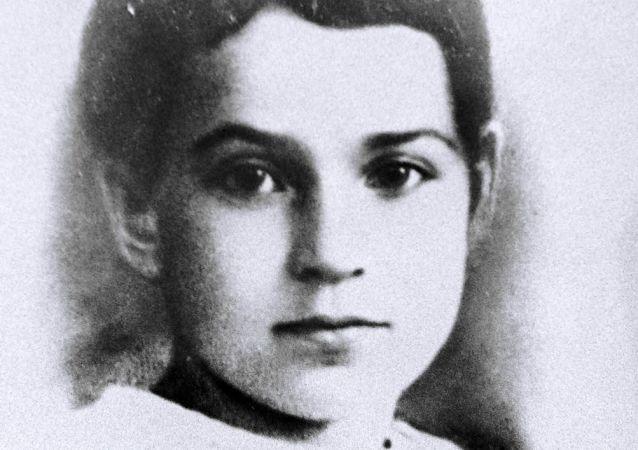Tanya Saviçeva
