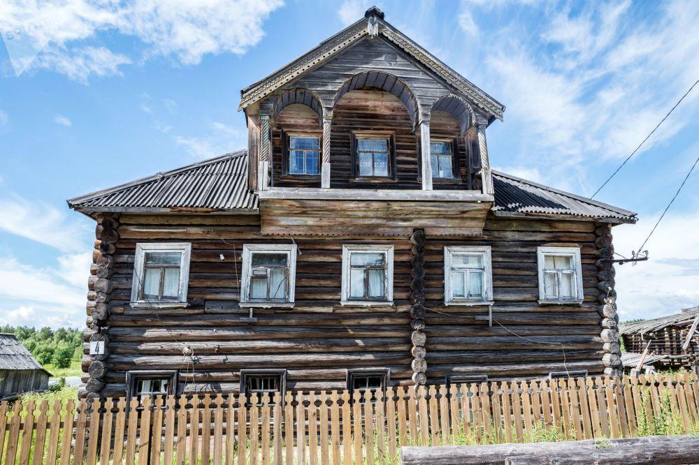 Pyalma köyündeki ahşap evlerden  bazıları mimari anıt olarak kabul ediliyor.