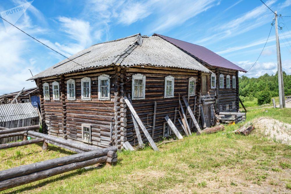 Pyalma köyü, Karelya bölgesinin eski ahşap evlerin bulunduğu bir açık hava müzesi olarak biliniyor.