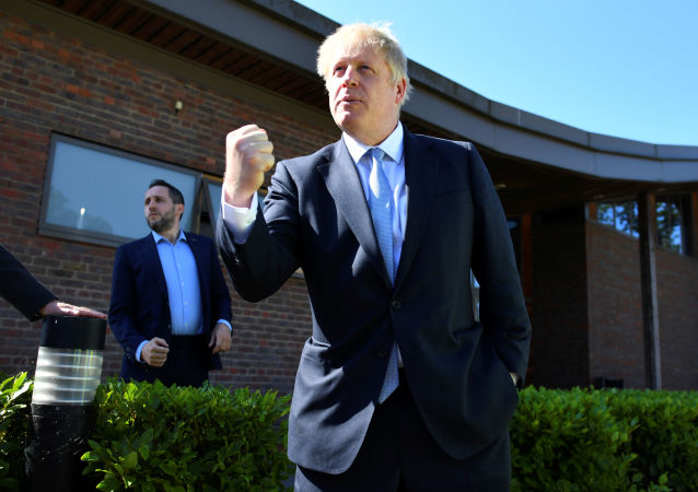 Boris Johnson, a leadership candidate for Britain's Conservative Party, visits the Thames Valley Police Training Centre in Reading, Britain, July 3, 2019. REUTERS/Dylan Martinez/Pool