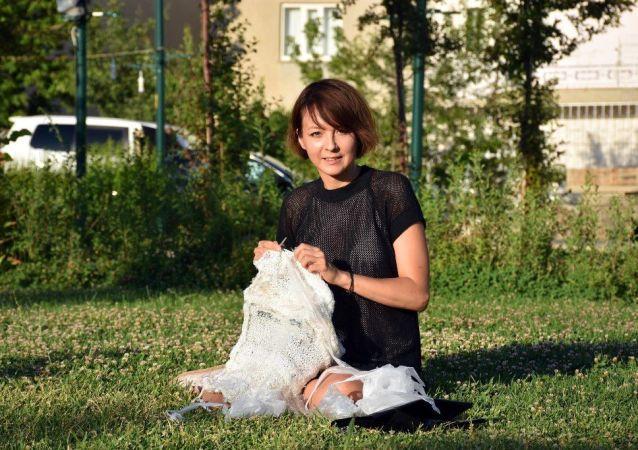 33 yaşındaki Rus moda tasarımcısı Anita Grey