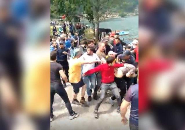 Trabzon'da IKBY bayrağı kavgası: 9 gözaltı