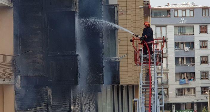 Patlayan klima yangına neden oldu