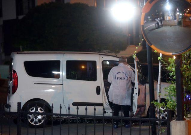 Ankara Valisi Vasip Şahin, Belarus Büyükelçiliğinde görevli bir diplomatın, emekli bir albay tarafından silahla vurularak yaralandığını, olayın faili emekli albayın ise intihar ettiğini açıkladı. Polis ekipleri OR-AN semtinde olayın yaşandığı sitede inceleme yaptı.