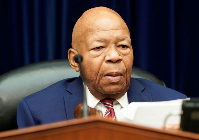 FILE PHOTO: House Oversight and Reform Committee Chair Elijah Cummings (D-MD) chairs a House Oversight and Reform Committee hearing focusing on the Trump Administration's Child Separation Policy on Capitol Hill in Washington, U.S., July 18, 2019. REUTERS/Joshua Roberts/File Photo