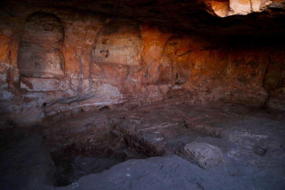 Zerzevan'da, Pagan Roma döneminin gizemli dini olan Mithras'ın 1800 yıllık olduğu tahmin edilen tapınağının 2017 yılında tesadüfen ortaya çıkarılması dünyanın bütün dikkatini bir anda Zerzevan Kalesi'ne yöneltti.