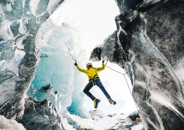 Kanada'daki Hous Zirvesine tırmanışı sırasında yaşanan çığ felaketinde hayatını kaybeden Avusturyalı dağcı Hansjörg Auer.
