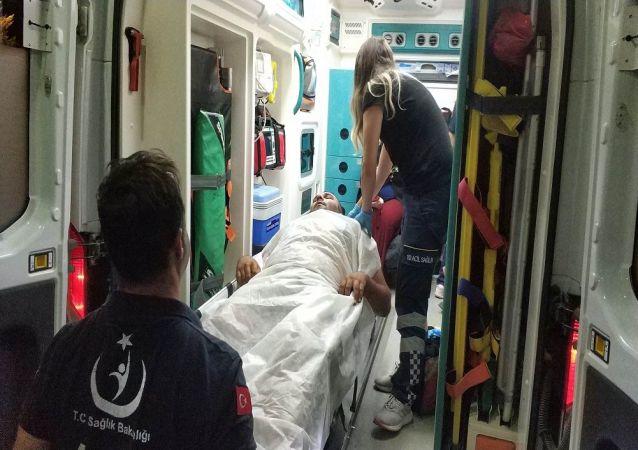 Samsun'da kına gecesindeki kavgada pompalı tüfekle açılan ateş sonucu 1'i çocuk, 4'ü kadın toplam 7 kişi vurularak hastanelik oldu.