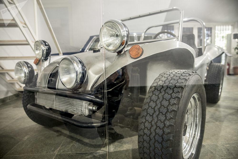 Son İran şahının otomobil koleksiyonundan Meyers Manx modeli buggy