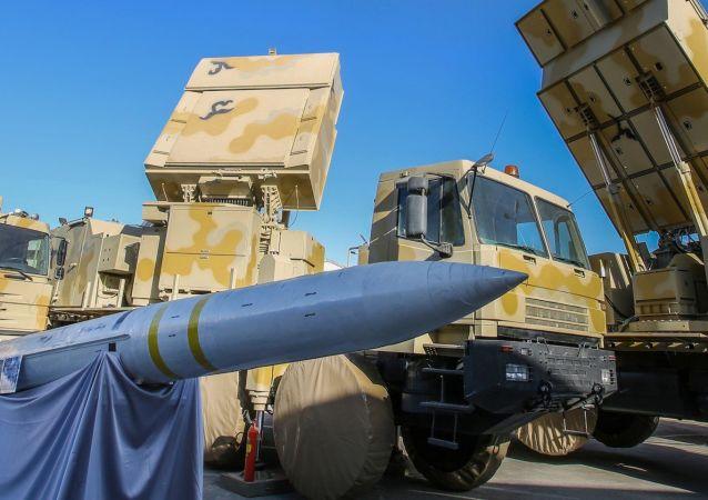 İran'ın 'Baver (İnanç) 373' isimli yeni yerli üretim uzun menzilli hava savunma sistemi