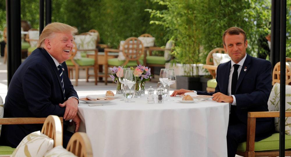 ABD Başkanı Donald Trump ve Fransa Cumhurbaşkanı Emmanuel Macron, G7 Zirvesi'nin düzenleneceği Fransa'nın güneybatısındaki Biarritz kentinde bir araya geldi.