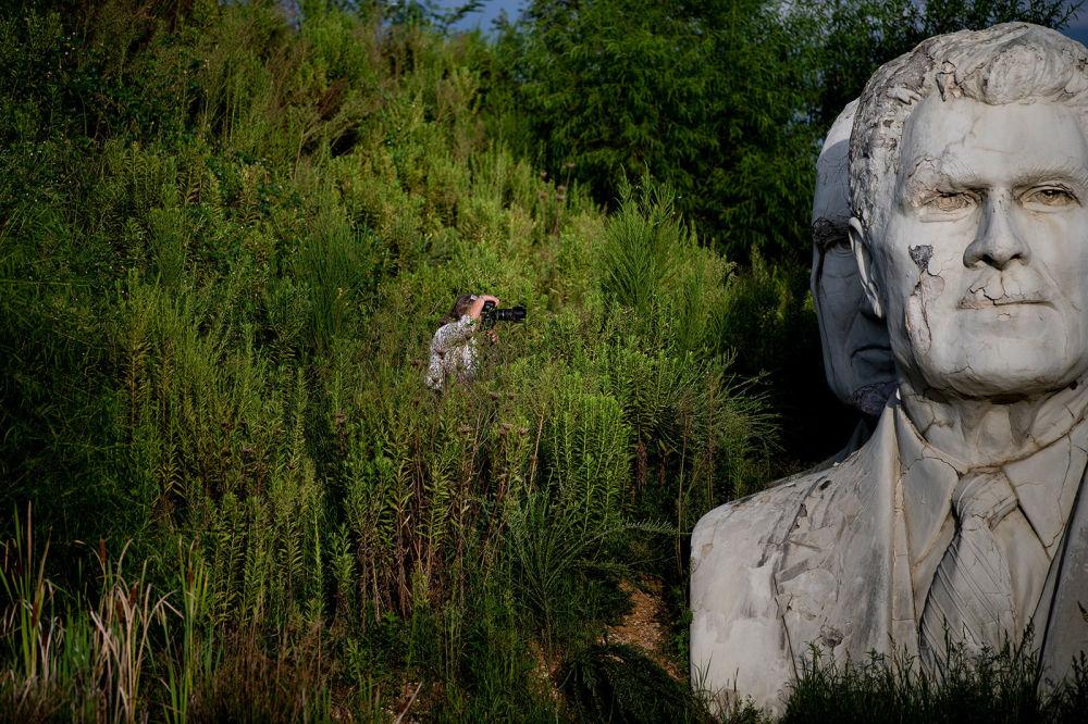 Başkanlık Parkı projesinin canlandırılmasıyla ilgili planlar kurulurken, Williamsburg'daki eski ABD başkanları büstleri birçok ziyaretçinin ilgisini çekiyor.