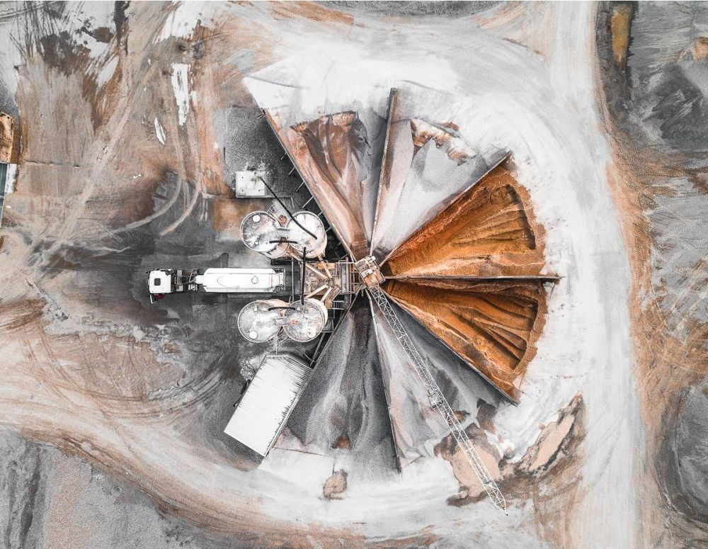 Hegen'in havadan görüntülediği Almanya'daki kömür madeni işletmesi.