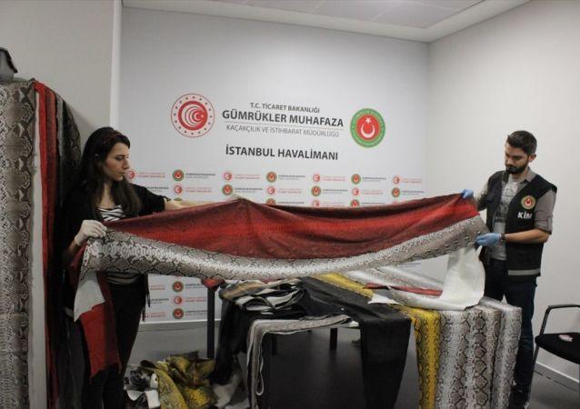 İstanbul Havalimanı'nda yılan derisi operasyonu