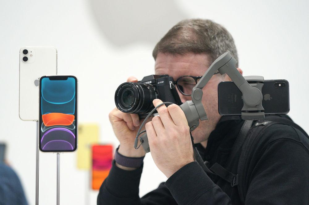 Her iki kamerası da 12 megapiksel olan telefon, burada özel bir gece modu da taşıyor.