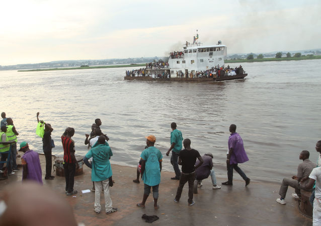 Kongo nehrinde tekne battı