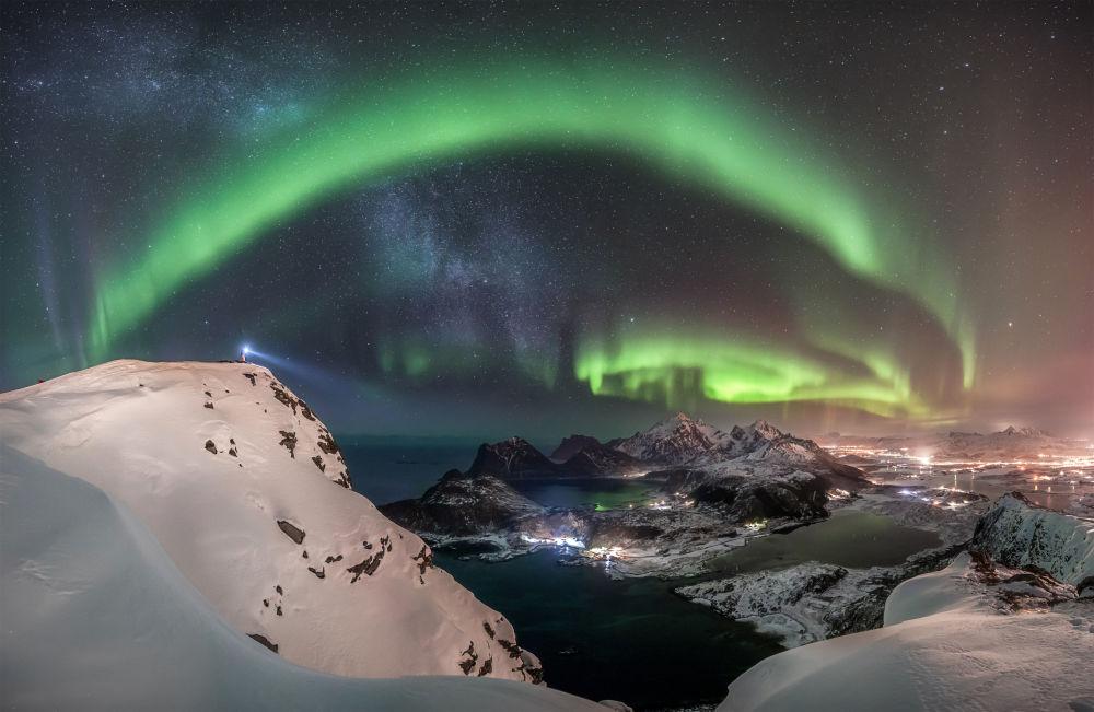 Alman fotoğrafçı Nicolai Brügger'in Norveç'te çektiği bu kare, yarışmanın Kutup Işıkları kategorisinde birincilik ödülünü kazandı.