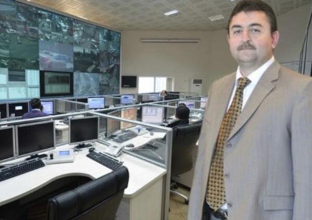 Telekominikasyon İletişim Başkanlığı (TİB) ile Milli İstihbarat Teşkilatı'nda (MİT) da görev yapan eski istihbaratçı Basri Aktepe, 'FETÖ terör örgütü üyesi olmak' suçundan yargılandığı davada, 12 yıl hapis cezasına çarptırıldı.