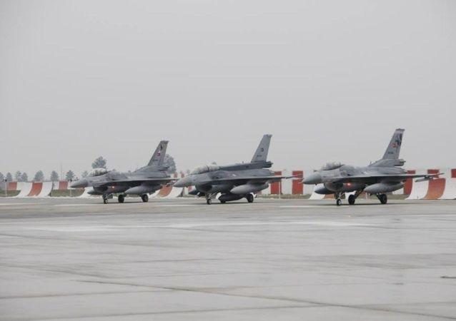 Diyarbakır 8. Ana Jet Üs Komutanlığı - savaş uçakları
