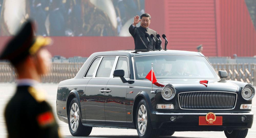 Çin Devlet Başkanı Şi Cinping, gövde gösterisine dönüşen Çin Halk Cumhuriyeti'nin kuruluşunun 70. yıldönümü törenlerinde