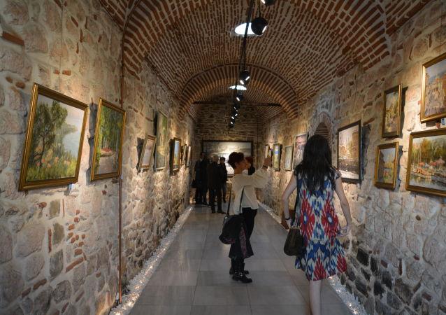 'İstanbul-St. Petersburg: Suya Yansıyan Tarih' sergisinden kareler