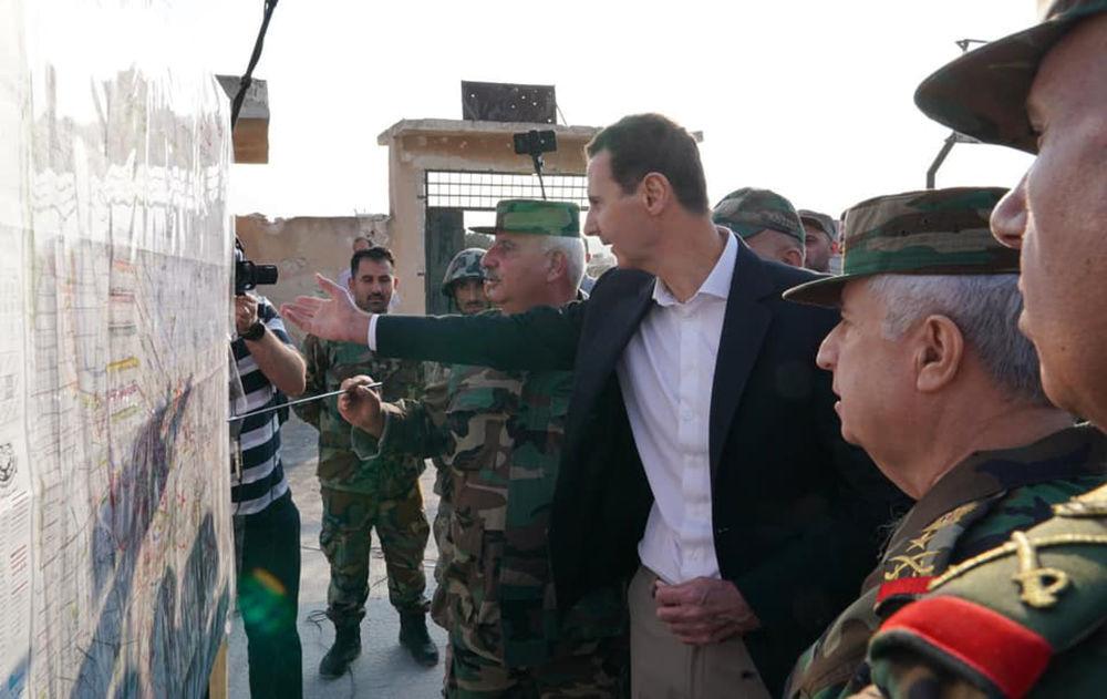 Suriye Devlet Başkanı Beşar Esad, İdlib vilayetindeki askerleri ziyaret etti.