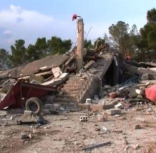 ABD'li birliklerin terkettikleri Til Temir yanındaki askeri üse Suriye ordusu girdi