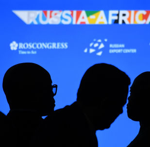 Rusya'nın Soçi kentinde bugün ilk Rusya-Afrika zirvesi ve iş forumu başladı. Zirveden Moskova ile Afrika kıtası ülkeleri arasında siyasi, ekonomik ve ticari işbirliğinin gelişmesi açısından büyük beklentiler söz konusu.