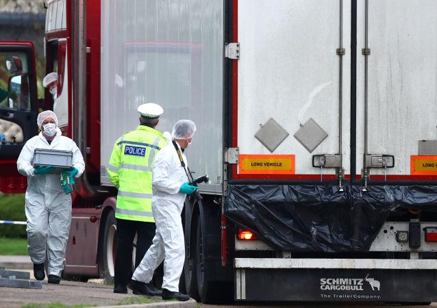 Essex'te 39 kişinin cesedi bulunduğu TIR
