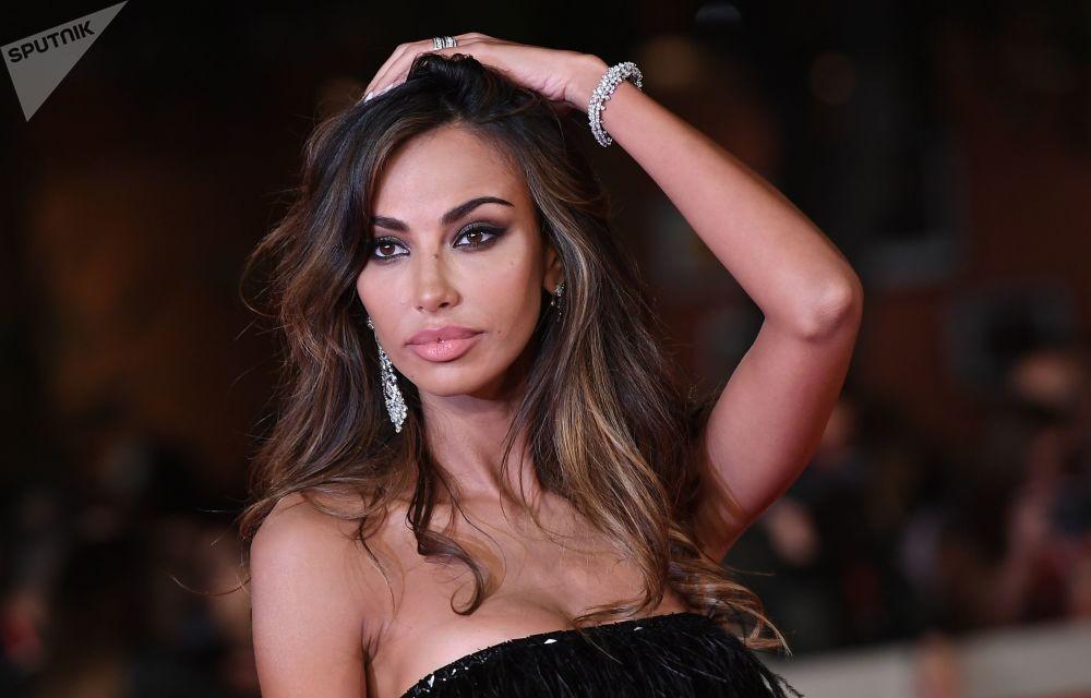 Model Madalina Genea