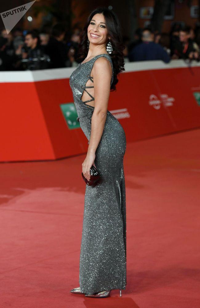 Oyuncu Fabiana Latini.