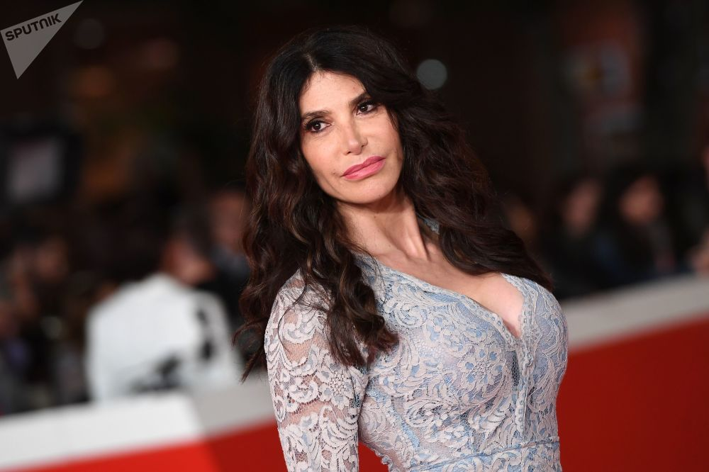 İtalyan oyuncu Carmen Di Pietro.