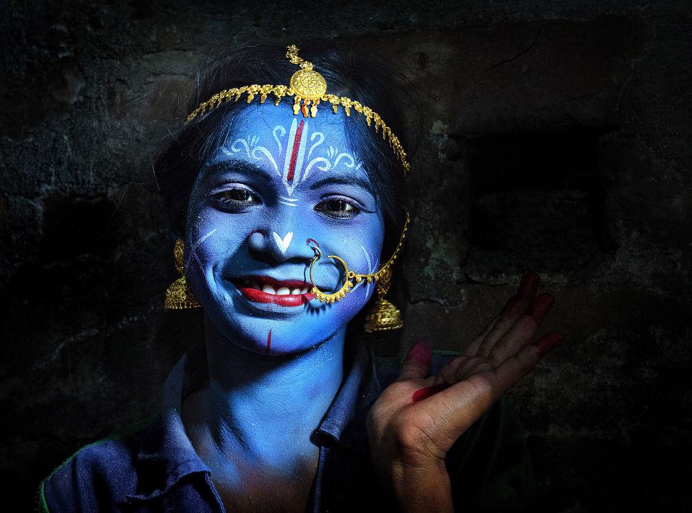 Hint'li fotoğrafçı Pranab Basak'ın 'Rengin Büyüsü' isimli çalışması.