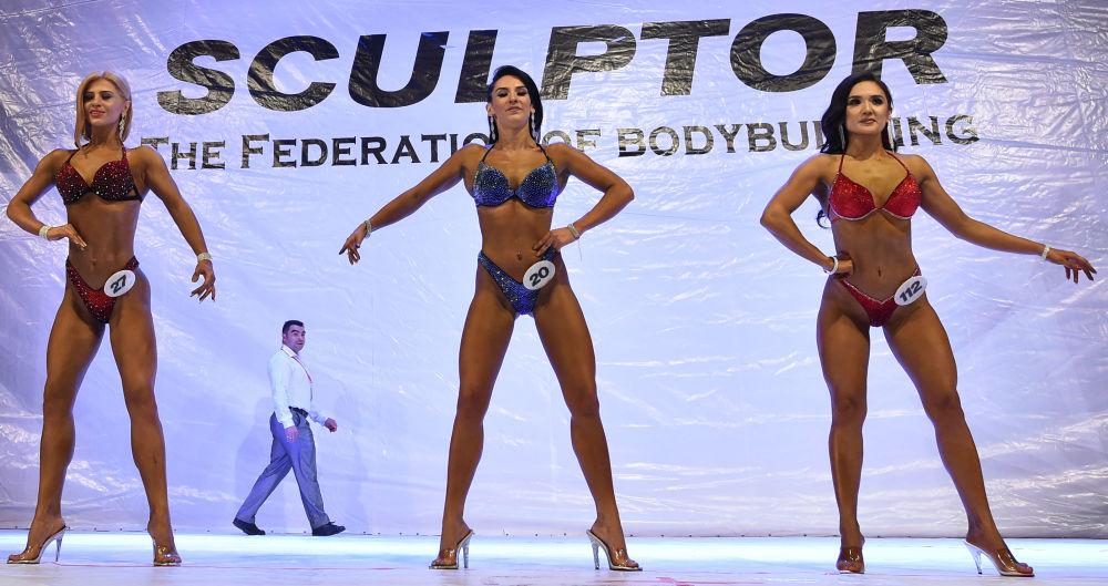 Yarışmanın jüri üyeleri, katılımcıların gösterilerini değerlendirirken vücut çizgilerin uyumluluğu ve oranı, vücudun genel durumu ve sağlıklı bir görünümü dikkate alıyordu.