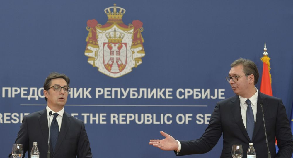 Stevo Pendarovski ile Aleksandar Vucic Belgrad'da basın toplantısında