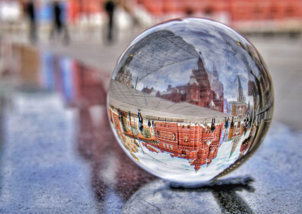 Yarışmanın finalistlerinden Tatiana Mordkovich'in fotoğrafı, Rusya'nın başkenti Moskova'daki Kızıl Meydan'da çekildi.
